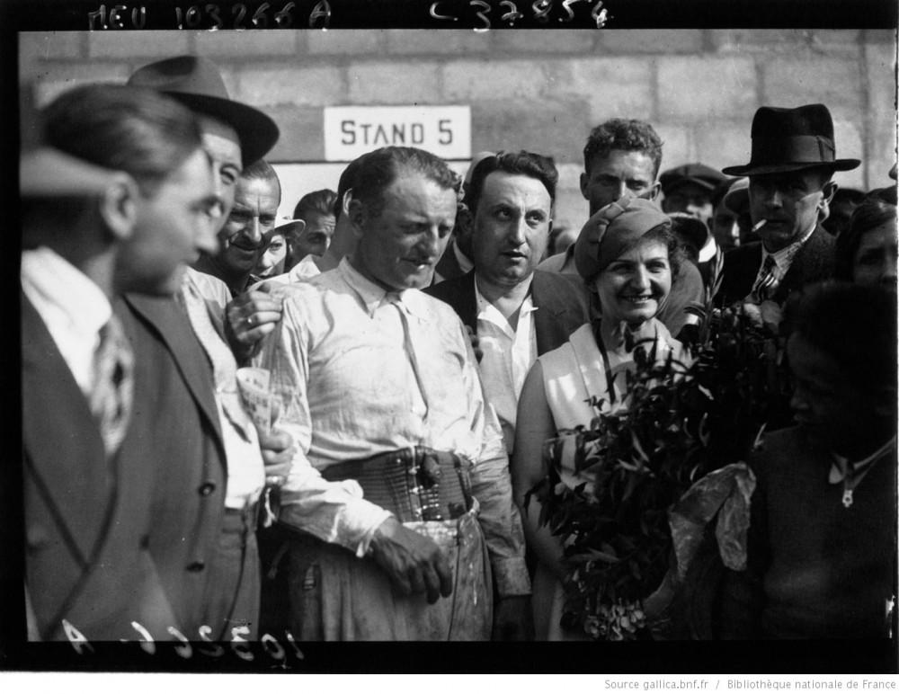 Reims : grand Prix de la Marne : Etancelin après sa victoire : [photographie de presse] / Agence Meurisse - 1933