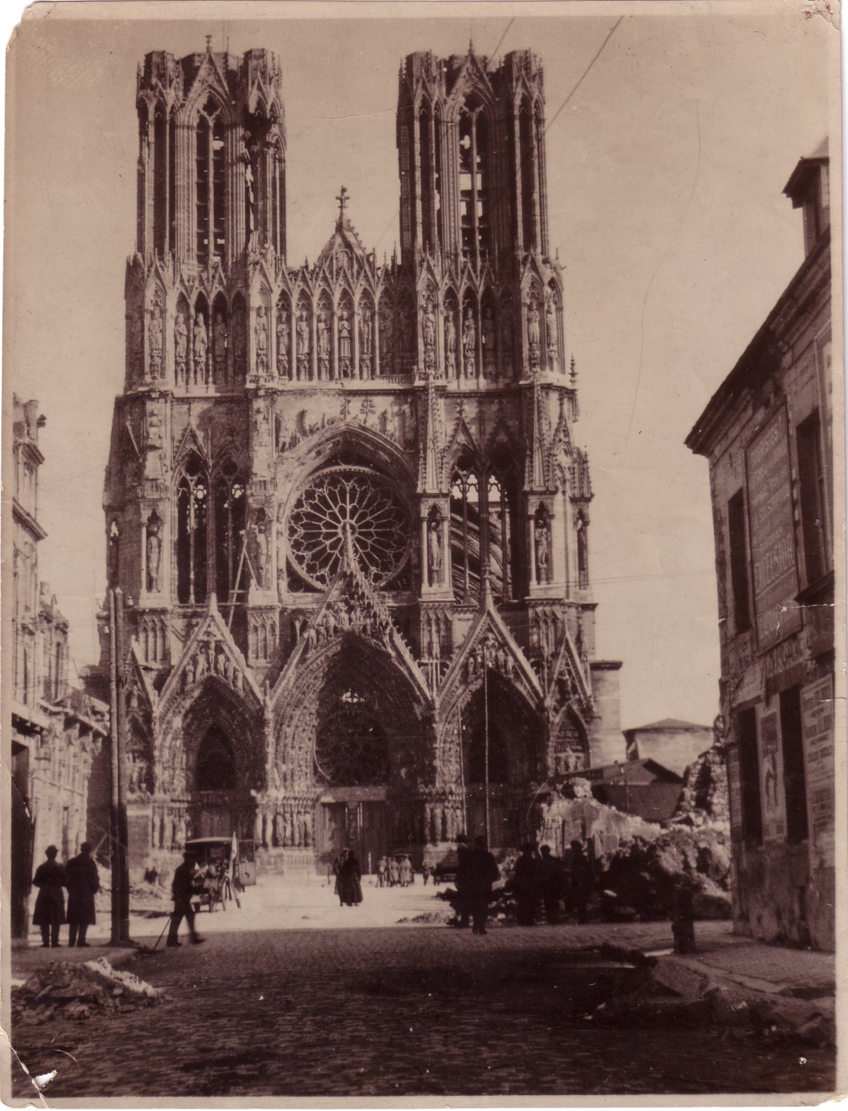 Reims-cathedral-destructed