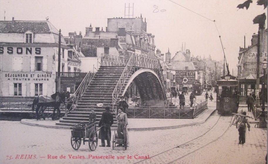 Le pont de Vesle et le tramway