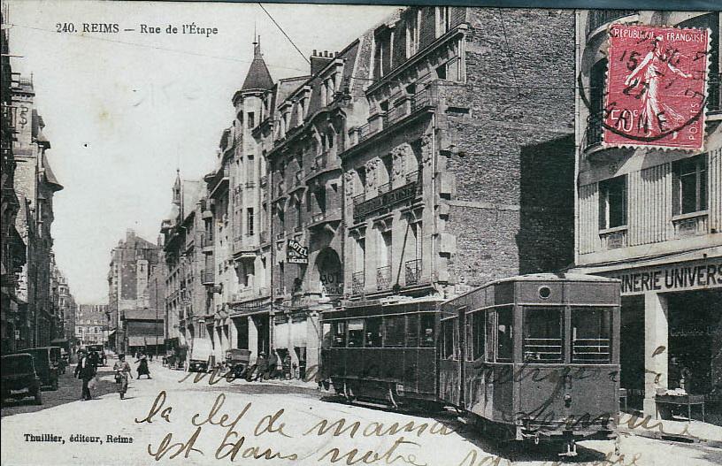 Le tramway rue de l'Etape