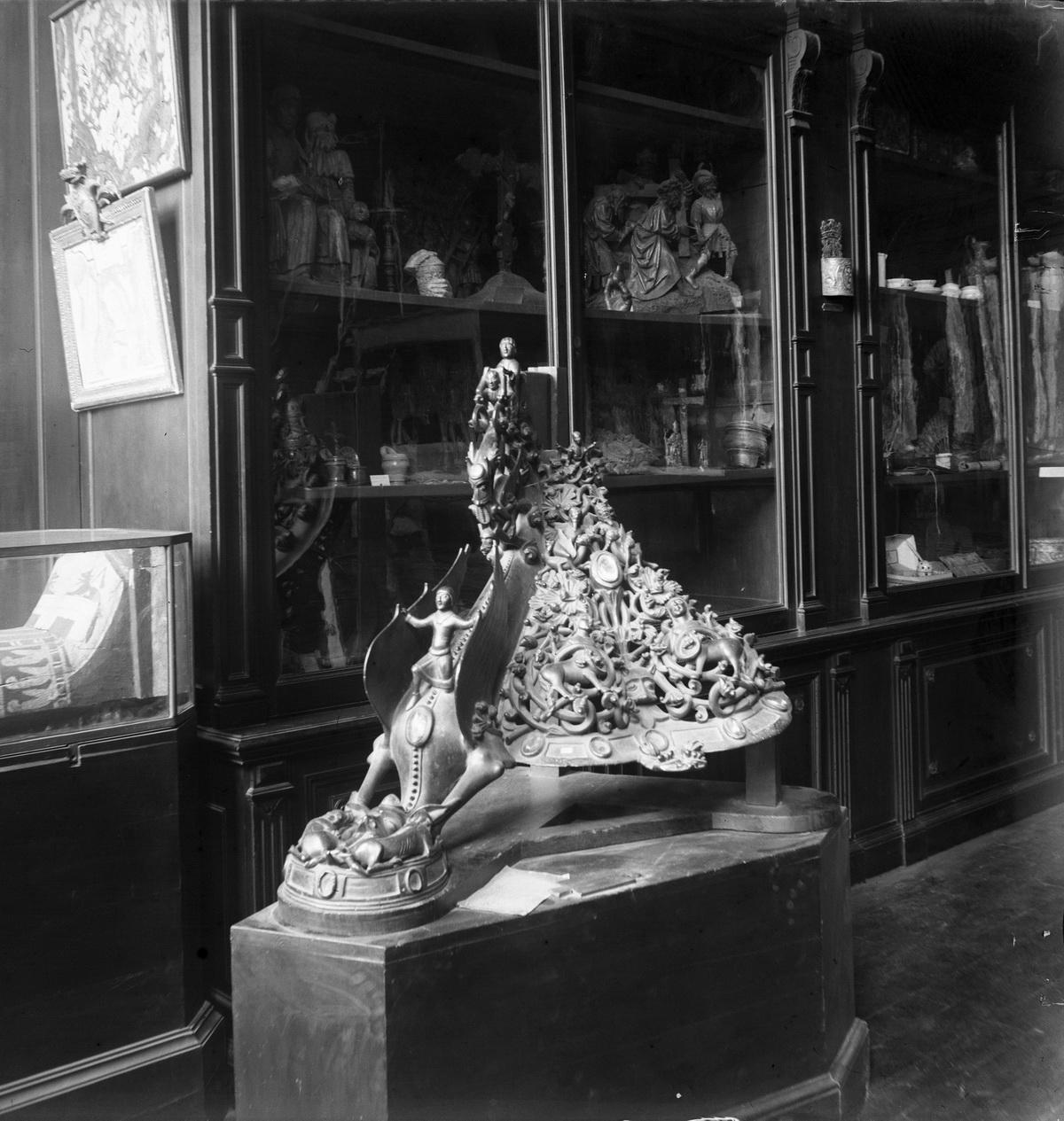 3-67-2844 - MUSEE DE REIMS FRAGMENT DU CANDELABRE DE LA REINE FREDERONNE