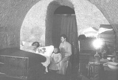 Les Rémois se réfugient dans les caves de champagne