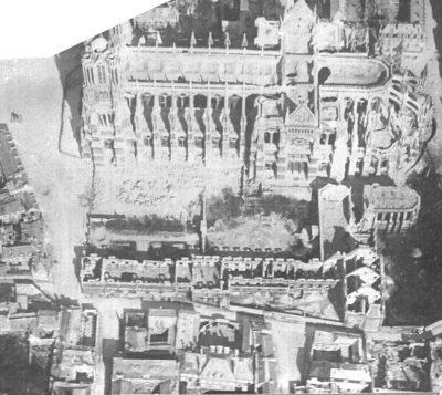 La cathédrale vue d'avion