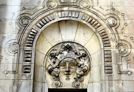 Arlequin, façade Casino Vichy.